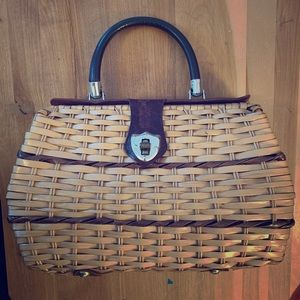 Handbags - VINTAGE 1960s Wicker & Leather Purse 👜